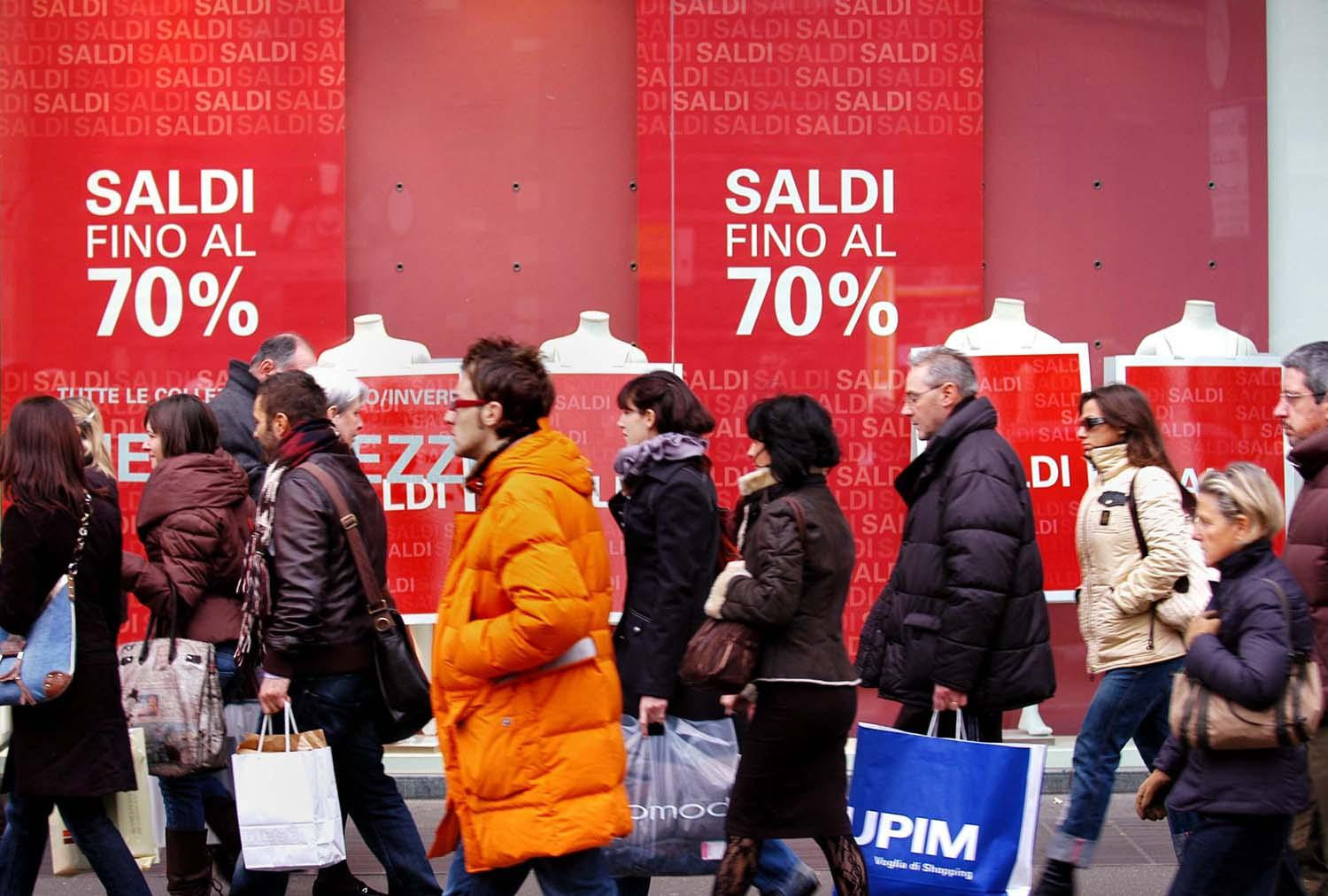 Saldi al via in Campania, commercianti ottimisti: \