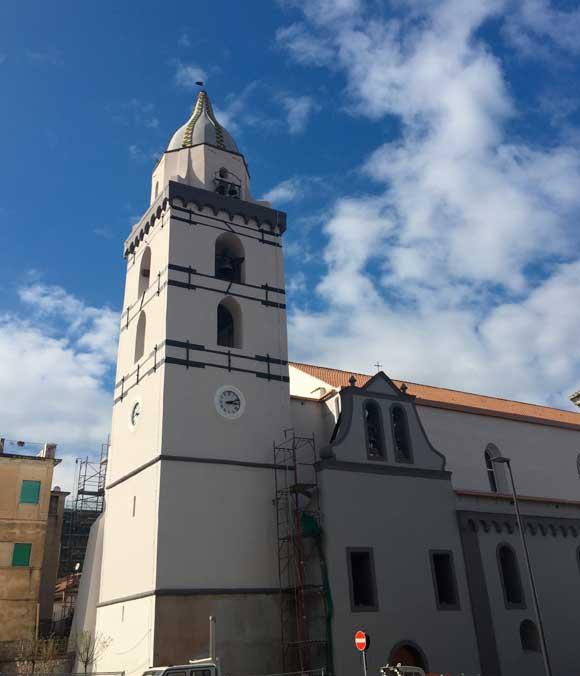 Somma vesuviana via le impalcature dal campanile di san for Bianco arredamenti somma vesuviana