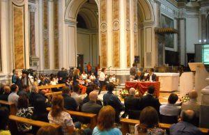 La conferenza sull'ambiente tenuta ieri sera dal vescovo di Acerra