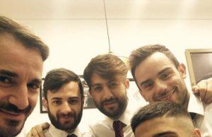 """Lorenzo Insigne, protagonista del match con l'Empoli, e i suoi parrucchieri (fonte foto: pagina facebook """"Parrucchieri Hombre"""")"""