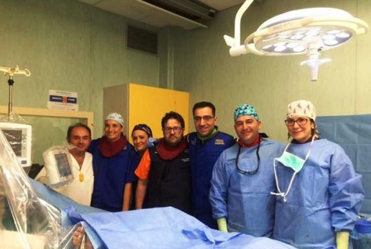 Ospedale di Nola, l'équipe composta dai dottori Caliendo, Varricchio e De Angelis che hanno eseguito l'operazione