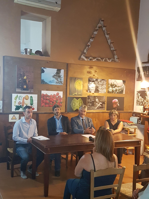 Un momento della conferenza (foto Il Mediano)