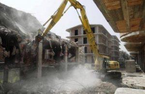 Casalnuovo, l'abbattimento dei rioni abusivi nel 2007