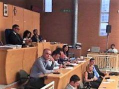 una seduta del consiglio comunale di Acerra
