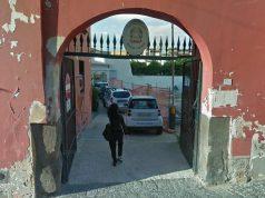 l'ingresso del comando di polizia locale a pomigliano
