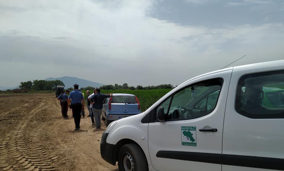 arpac e carabinieri nei terreni in cui è stato scaricato il compost sospetto
