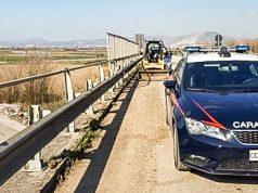 acerra, i carabinieri squestrano la pala meccanica della ditta denunciata_