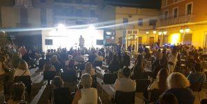piazza Mercato a Pomigliano poco prima dell'intervento di Sibilia