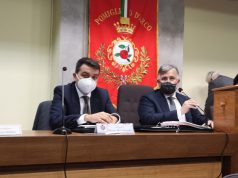 a sinistra il sindaco Del Mastro, a dx il neoletto presidente del consiglio comunale, Salvatore Cioffi