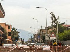 una delle tante strade chiuse ieri ad Acerra