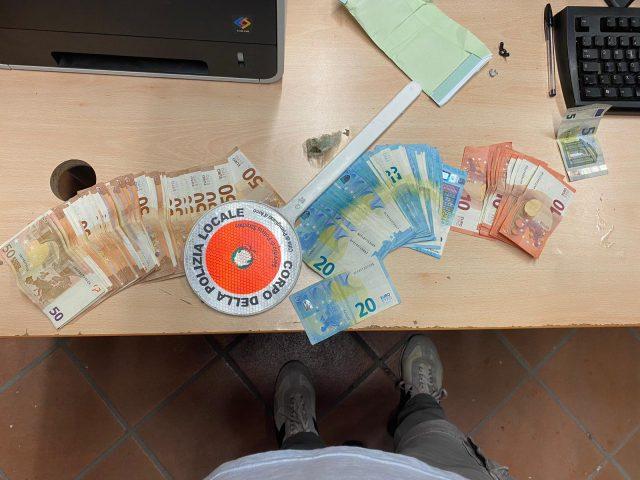 i soldi sequestrati al finto avvocato
