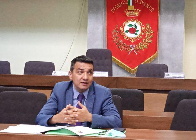 Il sindaco Del Mastro alla conferenza stampa di ieri