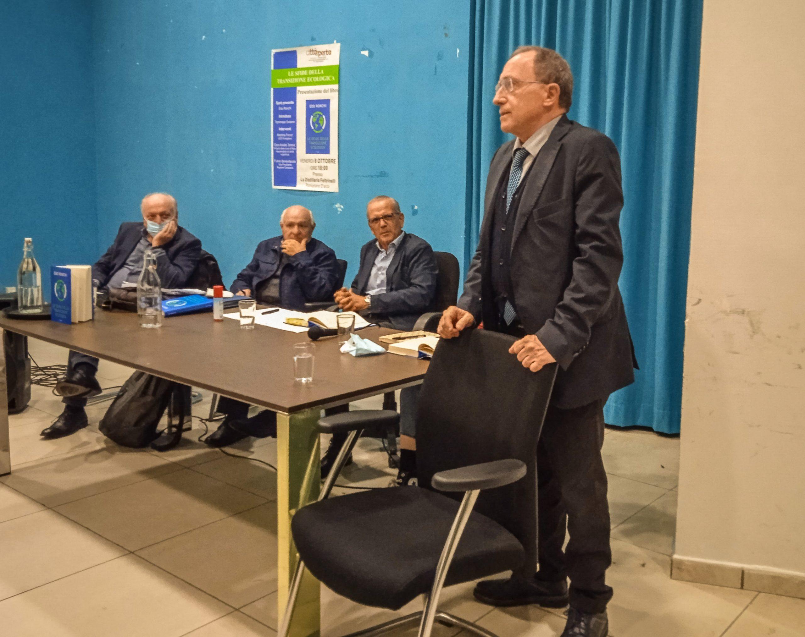 Fulvio Bonavitacola, in piedi, a Pomigliano